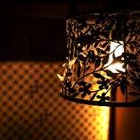 影絵のようなライトが印象的
