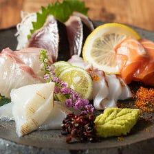 瀬戸内でとれる旬魚介をお造りやカルパッチョで