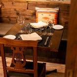 テーブル席(2~10名様、4~16名様まで)