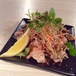 台湾式茹で豚バラのニンニクソースがけ