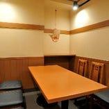 ■4~6名様用の個室を1室ご用意、ご利用の際はご予約がお勧めです。