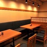 テーブル席は18席ご用意しております