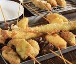 隣の「串カツ&土手焼きアホヤネン」から本場大阪の味も出前可