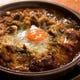 トロトロのお肉と卵が混ざり絶品の牛すじ煮込み♪