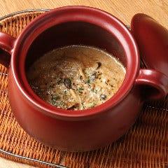 ポルチーニ茸と季節の茸を使ったクリームソースリゾットオジャ鍋で