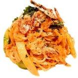桜海老と春野菜のラグークリームソーススパゲッティ~桜海老のチップを添えて~