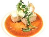 オーブンでじっくり焼いた若鶏のテリーヌにアスパラガスのムースを添えて ソースムータルド