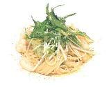 海老と春キャベツの和風だしを使ったスパゲッティアーリオオーリオ 桜海老の粉末と共に