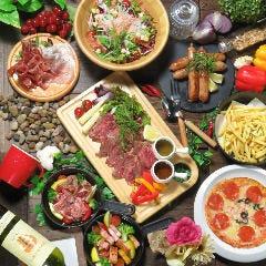 【食べ飲み放題】大満足!鉄板創作料理等170種以上!ドリンクも豊富!