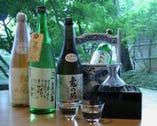 信州の地酒を中心に日本各地より銘酒美酒を取り揃えております