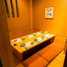 寛ぎの掘りごたつ個室。接待・会食に
