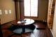 円卓の掘りごたつの個室です