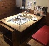 【テーブル席&掘り炬燵席】囲炉裏を囲んだゆったりお寛ぎいただけるお席です