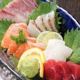 お造りに焼き物に揚げ物まで自慢の創作料理が多数ございます。