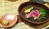 落ち着いた和空間で自慢の創作料理を味わうことができます。