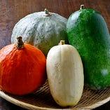 奈良の契約農家さんから届く新鮮野菜を使っています