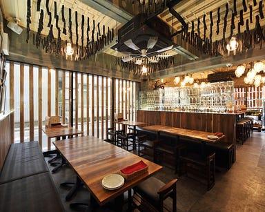 炭火 ワインバル 八十郎 新富二丁目 店内の画像