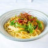 イタリア産からすみと熟成博多明太子のスパゲッティワイルドルッコラのせ