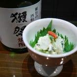 獺祭など人気の日本酒もご用意。白子など酒に合うつまみも充実!