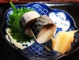 京都のハレの日のごちそう、鯖寿司は蕎麦のお供に