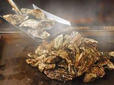 牡蠣のシャベル焼き