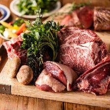 新鮮な食材が豊富!お肉も牛や豚から馬や日によってはジビエ系の取扱いも♪