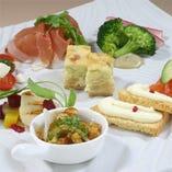 素材の持味を活かし季節感あふれるお料理をお楽しみいただけます
