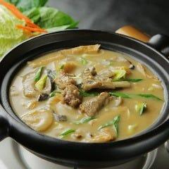 骨付きラム肉の土鍋煮