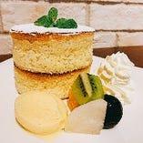 アンジュのスフレパンケーキ