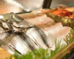 大将が目利きした旬の鮮魚を 使ったコースは必見!
