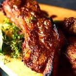 特製スパイスがマッチ♪豚のスペアリブのオーブン焼き