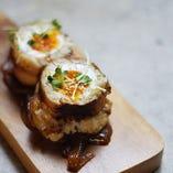 半熟卵を包んだ肉巻きONIGIRI