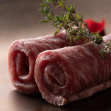 【厳選赤身肉】 タン元や希少な赤身肉など、様々な部位を提供
