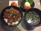 二段和牛カルビ丼定食