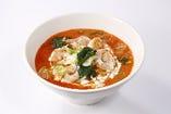 【海老クリームトマト麺】トマトクリームのまろやかなトマト麺
