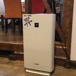 空気清浄機は店内に2台設置。