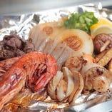肉・魚・野菜を鉄板料理で堪能♪深夜営業も嬉しい!