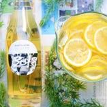 たっぷりレモンと蜂蜜で作ったノンアルコールの自家製レモネード