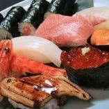 寿司:この道20余年の和食・寿司職人 神谷氏 が心を込めて握っております