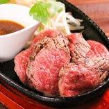 黒毛和牛赤身、塊肉を中心としたグリエ、希少部位や盛り合わせも