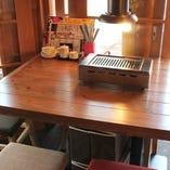 各種ご宴会に最適なゆったりテーブル席。