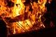注文を受けてから店内で焼き上げる藁焼きは迫力満点!
