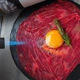 仙台牛の炙り肉寿司やユッケなど創作肉料理が絶品!