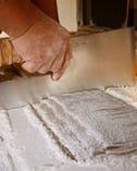 自社栽培、自社製粉の小麦粉使用の手打ちうどん【埼玉県所沢市中富】