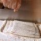 自社栽培の小麦を自社製粉した小麦粉使用の手打ちうどんです。