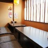 半個室 お座敷席~8名様。ご宴会に最適な空間です。