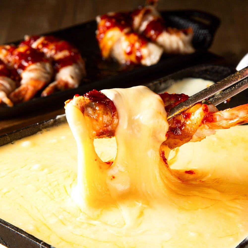 チーズをたっぷりと使用した とろ~り濃厚メニューが絶品!