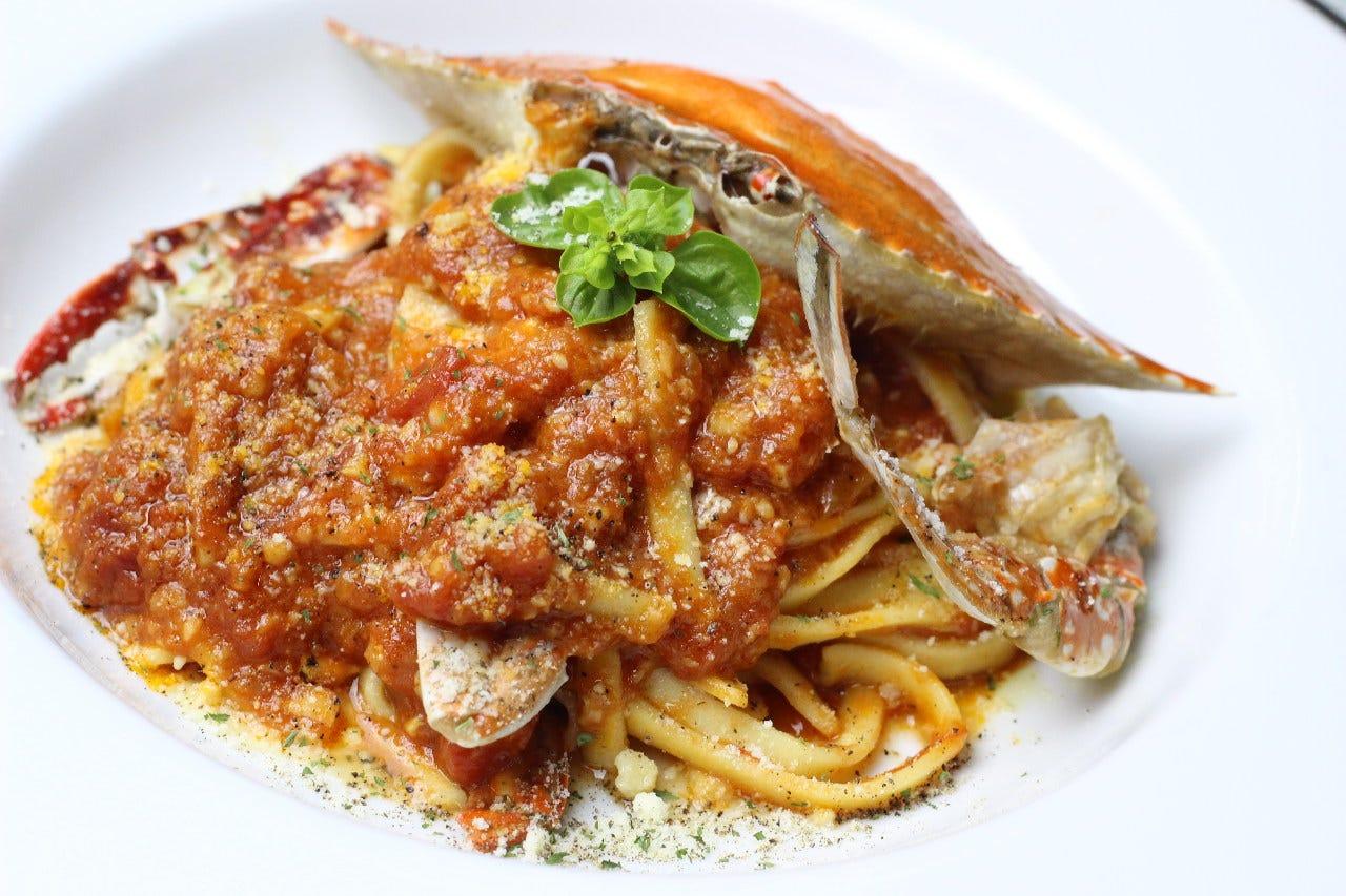 エキスが濃厚なプレミアムパスタ「渡蟹のトマトスパゲッティ」