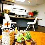 [3rd.Cafe LIVING STYLE] 「カフェとつくる家」をコンセプトに掲げた3rd.Cafe。家づくりにはさまざまなアプローチの仕方やきっかけがあるもの。 必ずしも住宅会社や設計事務所でなくてもいいのでは・・?と考えたことはありませんか。3rd.Cafeのオーナーは一級建築士のデザイナー。詳しくはHPにて。