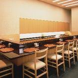 香りと音、目の前で揚げられた、できたての天ぷらを楽しむカウンター席[10席]